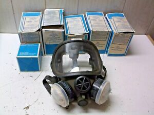 Norton Respirator Mask 7600 8 W cartridges Vintage Unit