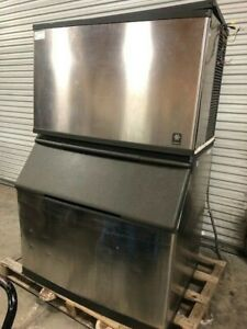 Manitowoc Ice Machine Model Qd1302a With Ice Bin Works Great 1300 Per Day
