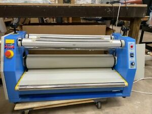32in Ustech Ak 300 Cold Laminator Table Top Model