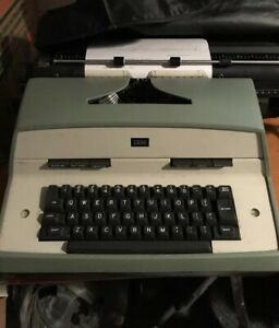 Vintage 1970 s Ibm Model 12 Electric Typewriter Working