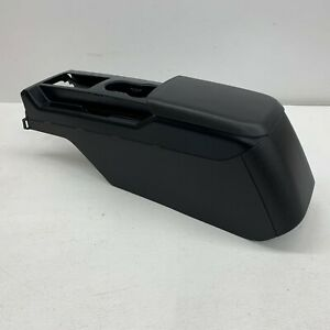 2005 2009 Oem Ford Mustang Center Console With Armrest Pad And Trim s6146