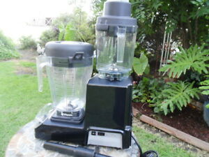 Vitamix Commercial 5202 Xl Commercial Blender complete 2 Containers pusher