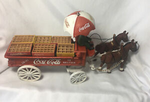 VINTAGE CAST IRON COCA COLA DELIVERY 2 HORSE DRAWN WAGON AND CRATES TOY