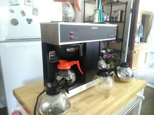 Bunn Vps Series 12 cup Coffee Brewer With 3 Warmers Black W 6 Coffee Pots