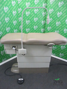 Midmark Ritter 222 Power Exam Table Hi low Barrier Free Reupholstered Ritter 2