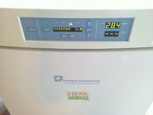 Thermo Forma Series Ii Water Jacketed Hepa Co2 Incubator 3110 With Racks