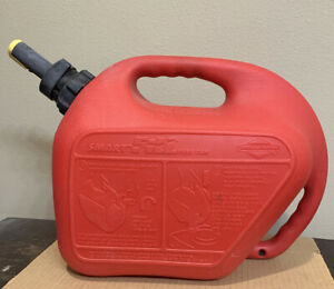 Vtg Briggs And Stratton Smart Fill Gas Can By Wedco 2 1 2 Gallons Clean