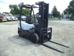2011 Crown C 5 1000 50 5 000 5000 Cushion Tired Forklift 83 190 3 Stage