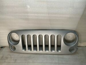 New Painted Grille For 2007 2017 Jeep Wrangler 68046306ab Ch1200313 Ships Today