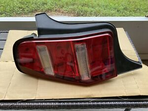 Oem Ford Mustang Tail Light 2010 2012 Genuine Ar33 13b505 A Lh With Wire Bulbs
