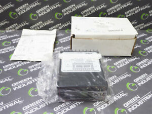 New Dwyer 621 6 Differential Pressure Indicating Transmitter 0 6 Wc