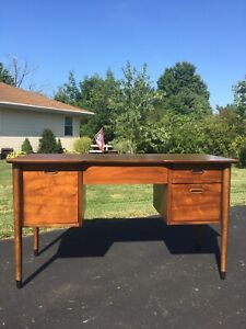 Mid Century Mcm Walnut Desk And Chair