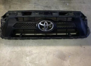 Toyota Tacoma Front Upper Grille Grill Stock Oem 2012 2013 2014 2015 W Emblem