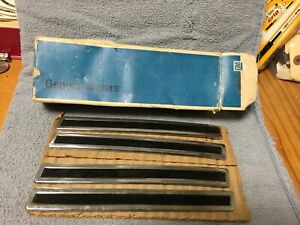 Nos 1960 Chevrolet Impala Right Side Front Fender Ornaments gm 3770508