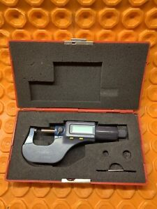 Fowler Digital 0 1 C 1 0 00005 With Case p8 needs Battery