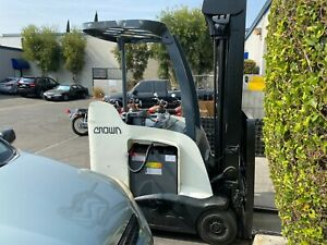 2011 Rc5545 Crown Narrow Aisle Electric Forklift 4 000 Lb Cap With 226 H