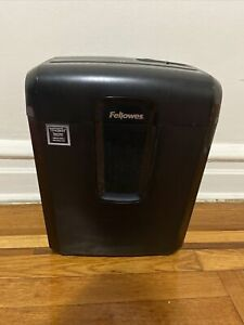 Fellowes 10 Paper Shredder 9c4 With A Bottle Of Lube Oil