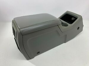 2003 2006 Oem Ford Expedition Center Console Armrest Storage 03 06 S7956