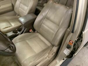 2000 Nissan Pathfinder Driver Front Seat Assembly