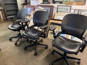Executive Mid back Chair By Steelcase Leap V1 W black Leather Seat plastic Back