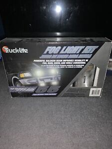 Truck lite Universal 80514 Fog Light Kit Halogen Brand New