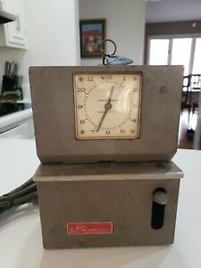 Lathem Model 2121 Time Clock Punch Card Recorder With Key As Is