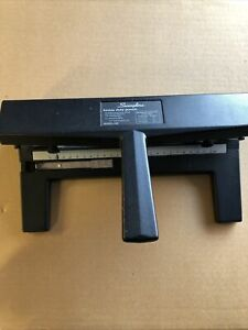 Swingline Model 440 Adjustable 3 Hole Punch