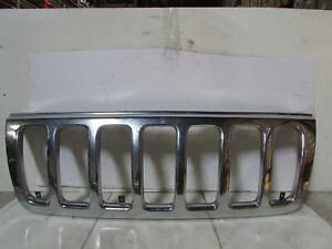 99 00 01 02 03 Jeep Grand Cherokee Grille Chrome 4dr