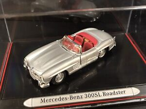 Mercedes Benz 300sl Roadster Classic Collection Model
