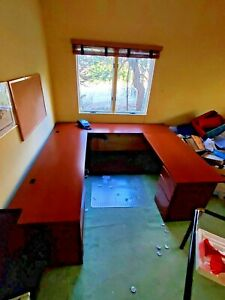 Knoll Sectional Office Desk U shaped W File Cabinets Keyboard Tray Cpu Stand