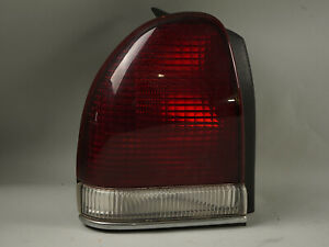 1994 1997 Chrysler Lhs New Yorker Tail Light Brake Stop Lamp Assembly 4601369