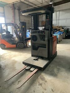Raymond Order Picker Forklift 24 Volt Electric Easi 30 Stand On