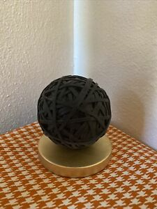 Decorative Desktop Rubber Band Ball With Stand Black gold West Emory