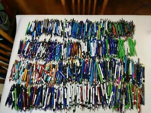 800 Bulk Wholesale Lot Misprint Mostly Plastic Mostly Retractable Ink Pens