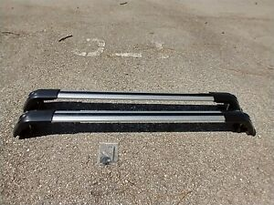 Universal Lockable Roof Rack Cross Bars