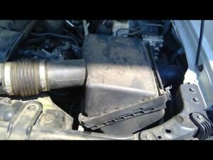 Air Cleaner 6 Cylinder 4 0l Fits 05 19 Frontier 679895
