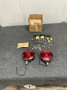 Nos 1954 1959 Chevrolet Gmc Truck Guide D6 52a Taillights Chevy Gm Og Hot Rod