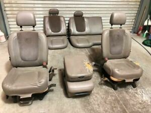 05 Dodge Ram 3500 Front Rear Leather Recoverable Seats W Console