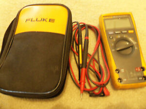 Fluke 179 True rms Digital Multimeter With Soft Case And Leads