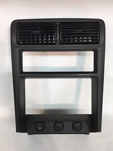 94 98 Oem Ford Mustang Canter Dash Radio Heat Control Trim Bezel W Vents