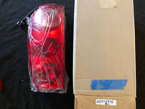New Oem 2007 2011 Gmc Yukon Rear Passenger Side Tail Light