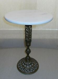 Vintage Hollywood Regency Marble Top Accent Table With Brass Pedestal Base 252
