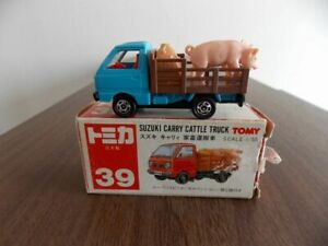 387 Tomica Red Box Japan Suzuki Carry Livestock Carrier The Body Is About Good