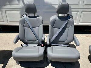 Toyota Sienna 2021 Seats Light Gray Leather Second Row 2 Pieces Set