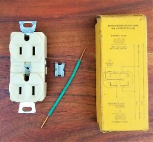 Hubbell 5252 Ivory Duplex Grounding Outlet Receptacle Spec Grade 3 Wire 15a 125v