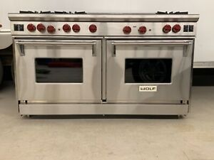2012 Wolf 60 Pro Gas Range 6 Burners 1 Inferred Griddle 1 Inferred Grill