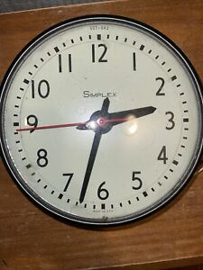 Vintage Simplex Round Dome Electric School Wall Clock 13 Diameter Glass Works