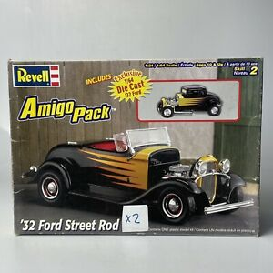 Revell Amigo Pack 32 Ford Street Rod Open Box No Mini Die Cast Two Sets Of Parts