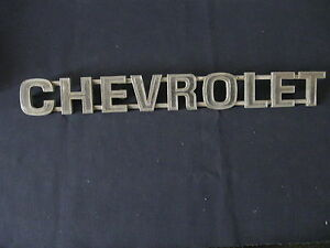 Chevrolet Emblem Badge Script Trim Metal 326104 Gm