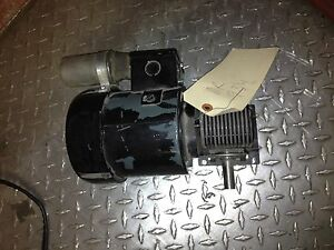 Dayton Gearmotor 1 15hp 8z663a 55 48rpm Torque 130in Lbs Ratio 1787 1 115v